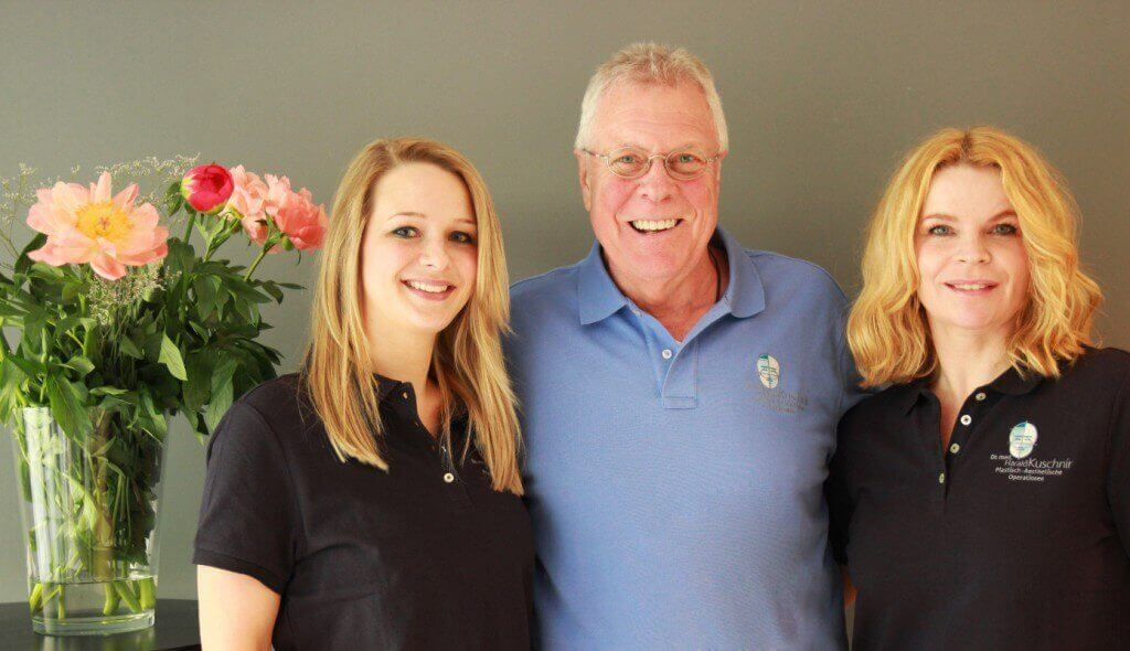 Dr. med. Kuschnir mit seinen medizinischen Assistentinnen Samantha Storch und Marion Feuereisen